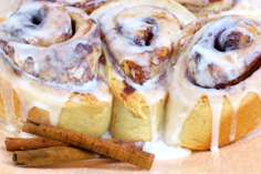 Arlington Texas Hotel Free Breakfast cinnamon rolls