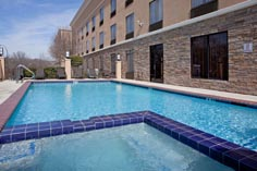 Arlington texas hotel amenities holiday inn express arlington south 1 20 parks mall for Hotels in arlington tx with indoor swimming pool